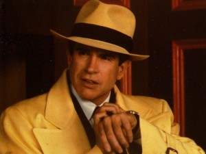 Dick-Tracy_Warren-Beatty-as-Dick-Tracy_yellow-raincoat_Image-property-of-Touchstone-Disney-Pictures_edit-CoF-001-800x601
